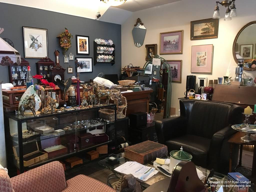 Michelles Antiques Inc. - home goods store    Photo 6 of 10   Address: 3710 Main St #104, Niagara Falls, ON L2G 6B1, Canada   Phone: (289) 296-0000