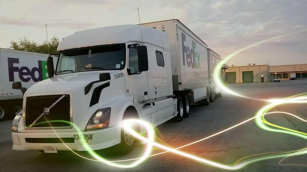 FedEx Ground - moving company  | Photo 2 of 9 | Address: 1101 E Cleveland St, Hutchins, TX 75141, USA | Phone: (800) 463-3339