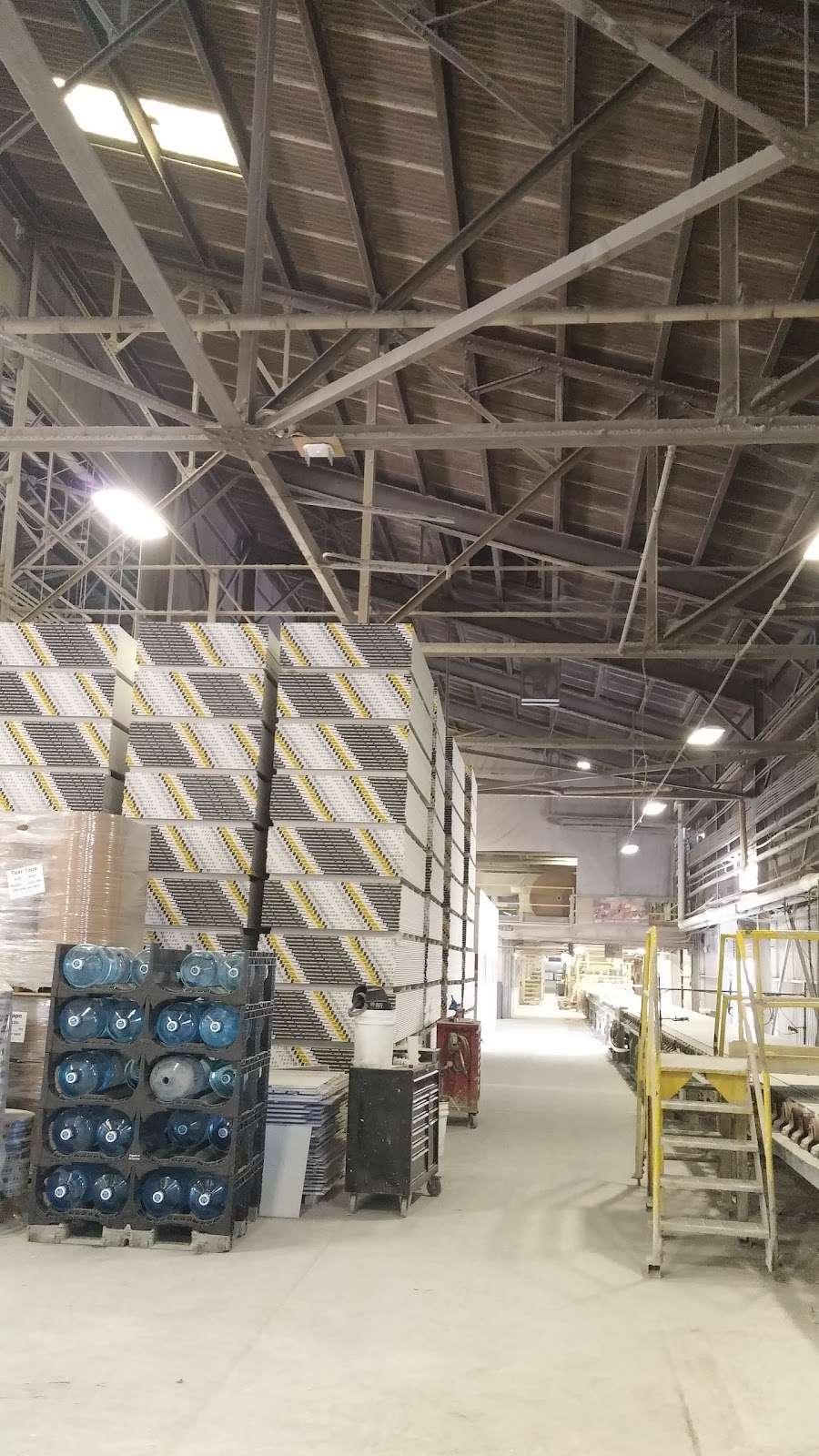National Gypsum Co - hardware store  | Photo 1 of 5 | Address: 1818 River Rd, Burlington, NJ 08016, USA | Phone: (609) 499-3300