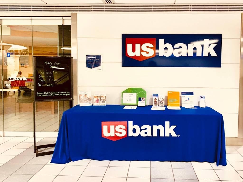 U.S. Bank Branch - bank  | Photo 1 of 2 | Address: 10701 Lambert International Blvd, St. Louis, MO 63145, USA | Phone: (314) 429-1248