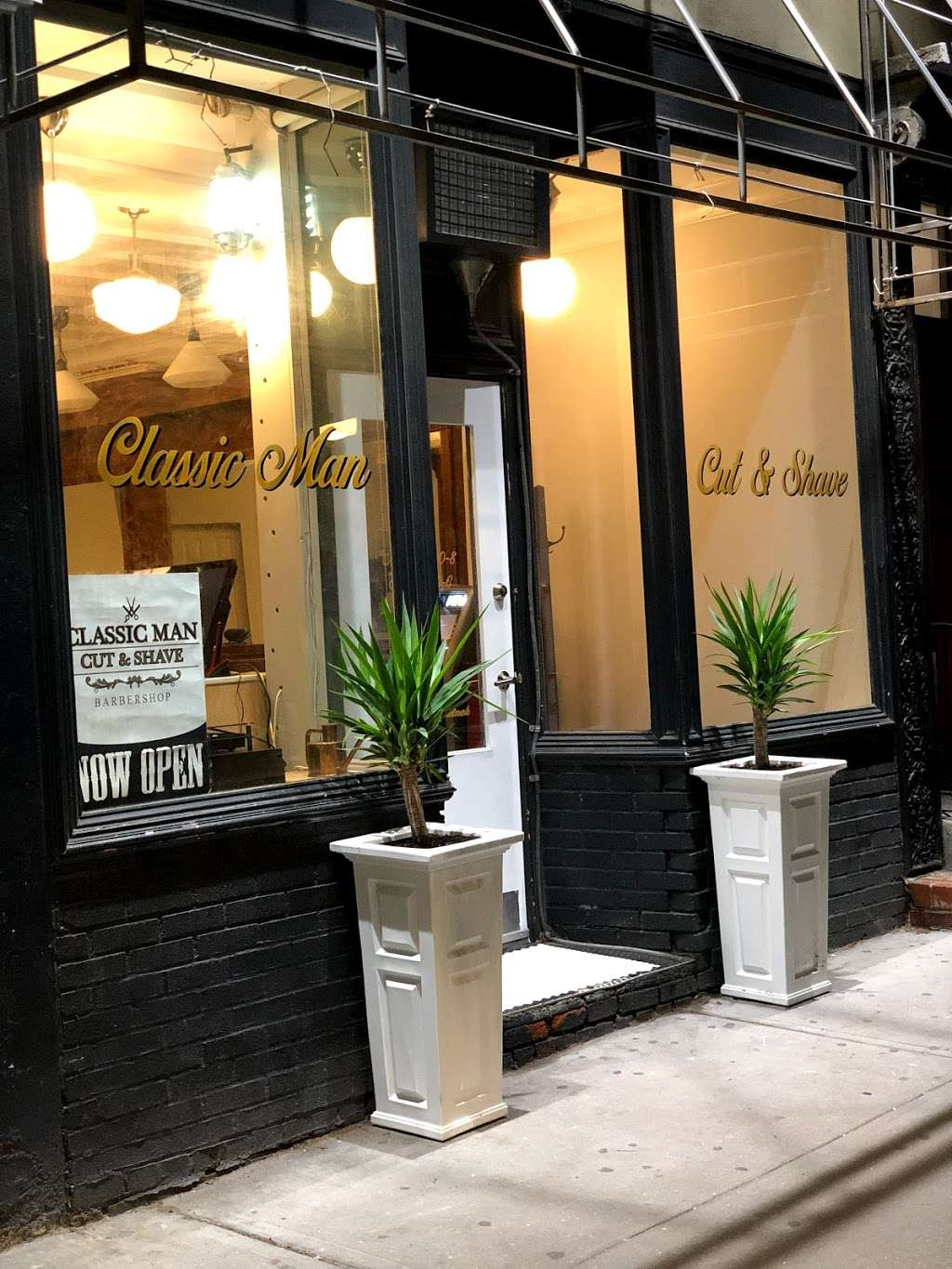 Classic Man Cut & Shave (Soho) - hair care  | Photo 7 of 10 | Address: 64 Macdougal St, New York, NY 10012, USA | Phone: (646) 850-1888