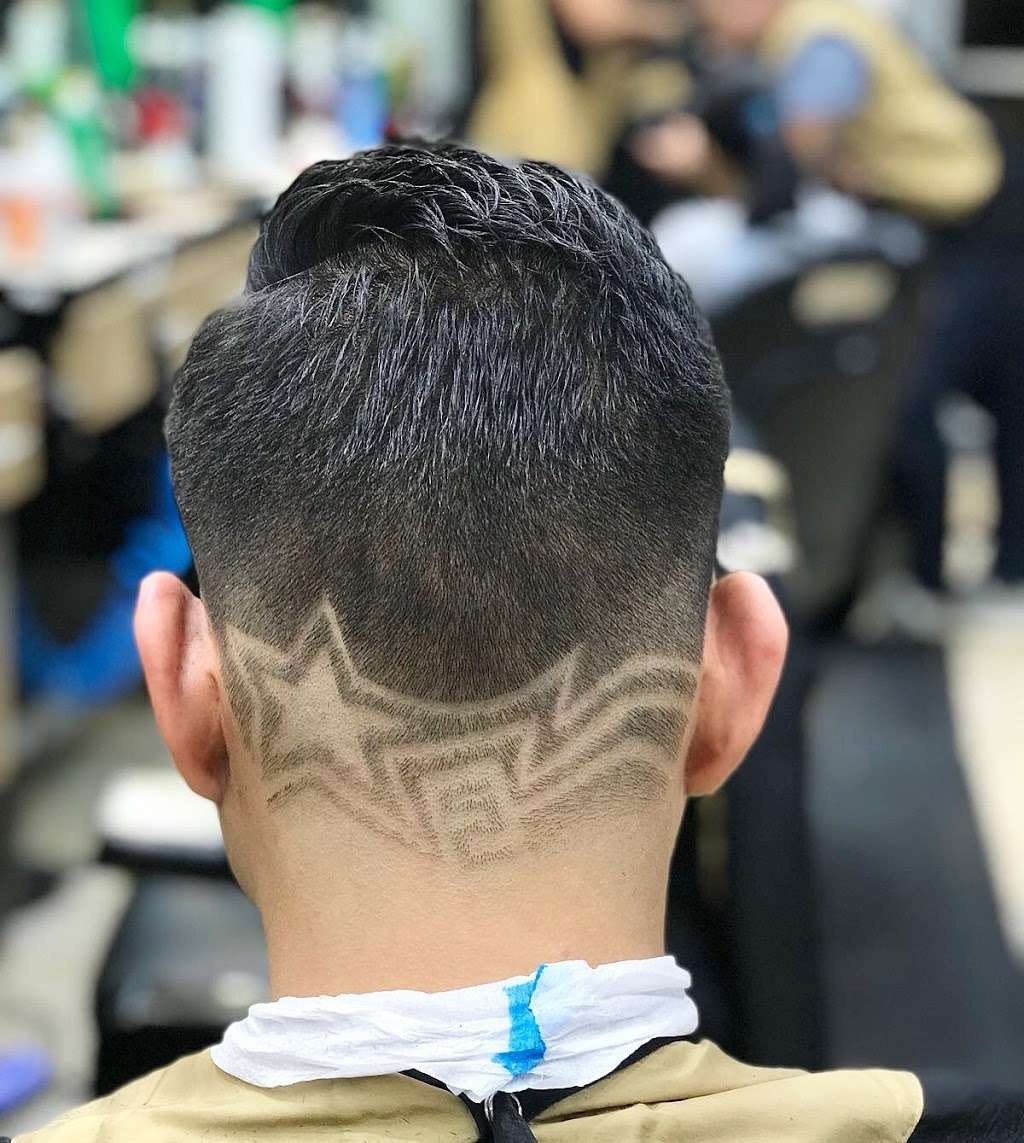 High Qualitys Barber Shop - hair care  | Photo 5 of 10 | Address: 390 E Tremont Ave, Bronx, NY 10457, USA | Phone: (347) 990-7997