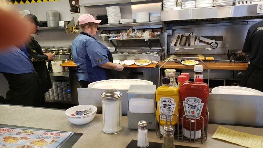 Waffle House - meal takeaway  | Photo 5 of 10 | Address: 3154 Telegraph Rd, St. Louis, MO 63125, USA | Phone: (314) 487-0212