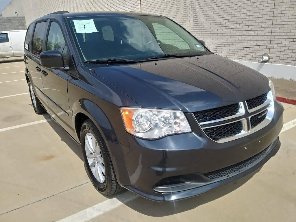 DFW CAR MART - car dealer    Photo 1 of 10   Address: 2020 E Division St, Arlington, TX 76011, USA   Phone: (817) 801-3191