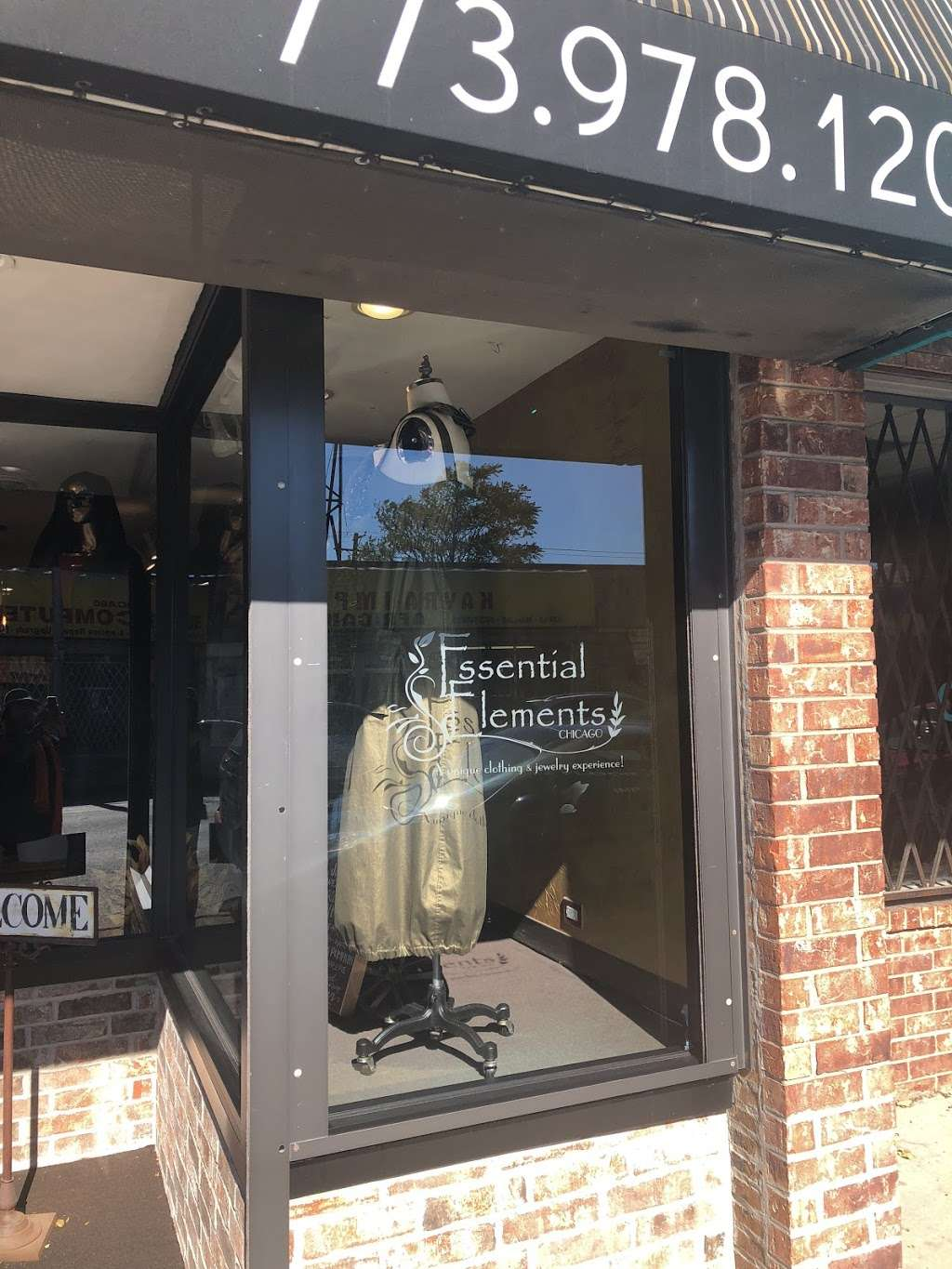 Essential Elements-Chicago, Ltd. - clothing store  | Photo 7 of 10 | Address: 1640 E 87th St, Chicago, IL 60617, USA | Phone: (773) 978-1200