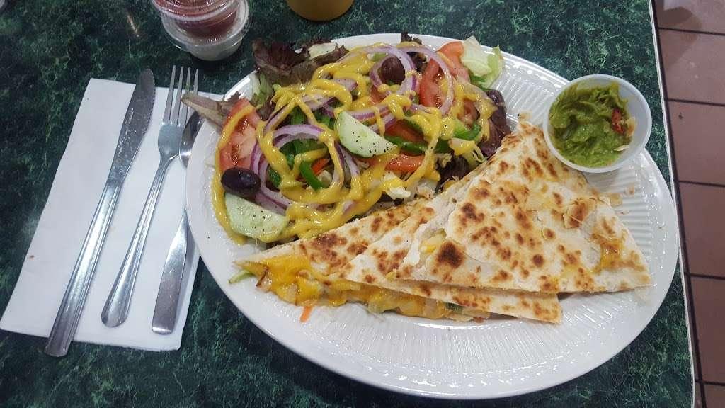 Fordham - restaurant  | Photo 5 of 10 | Address: 2506 Grand Concourse, The Bronx, NY 10458, USA | Phone: (718) 584-4300