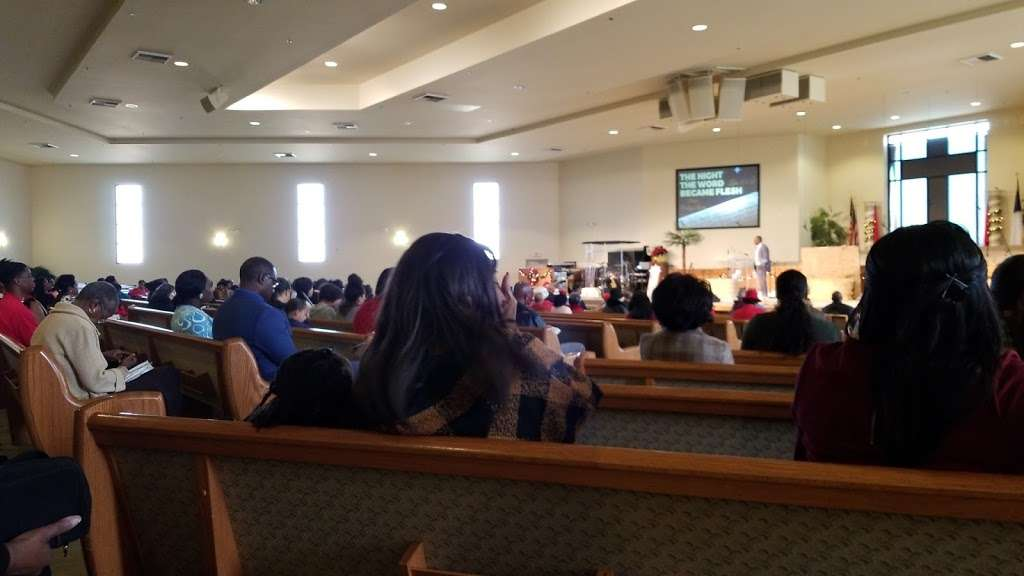 Living Stone Cathedral of Worship - church  | Photo 2 of 10 | Address: 37721 100th St E, Littlerock, CA 93543, USA | Phone: (661) 944-4128