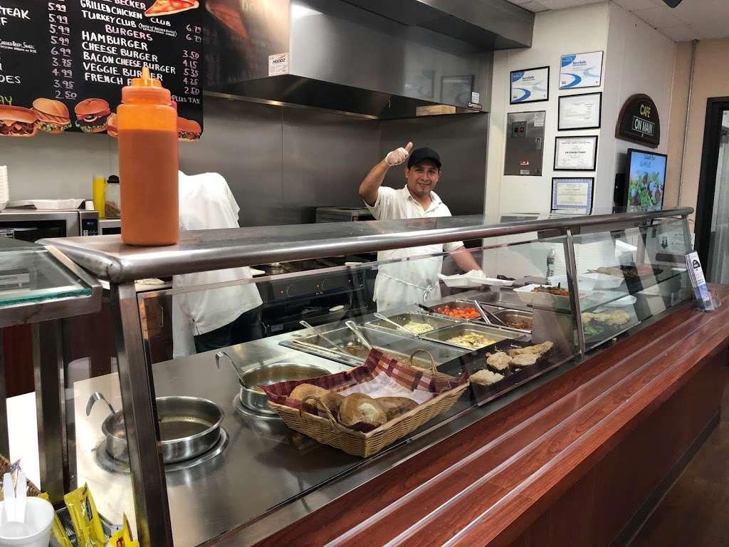 Cafe On Main - restaurant  | Photo 2 of 10 | Address: 10 Woodbridge Center Dr, Woodbridge, NJ 07095, USA | Phone: (732) 636-1222