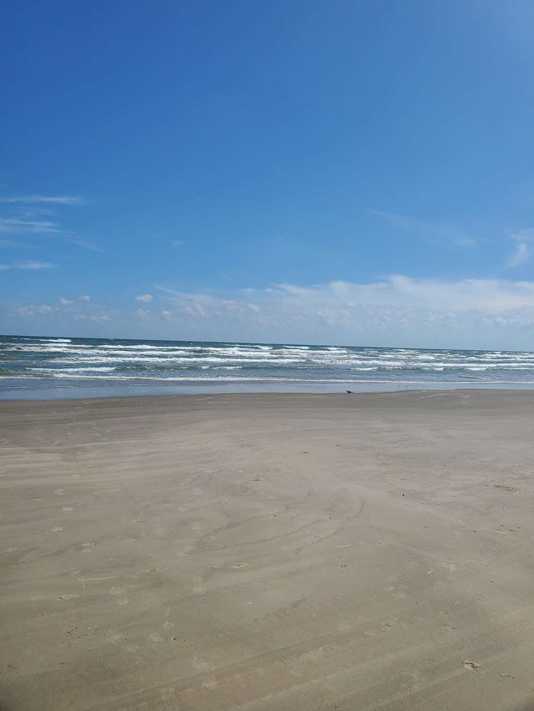 Treasure Trove Vacation Rental - lodging  | Photo 10 of 10 | Address: 13131 Gulf Beach Dr, Freeport, TX 77541, USA | Phone: (979) 799-6970