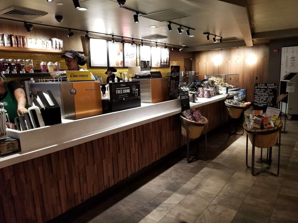 Starbucks - cafe  | Photo 9 of 10 | Address: 4 Columbus Cir, New York, NY 10019, USA | Phone: (212) 265-0658