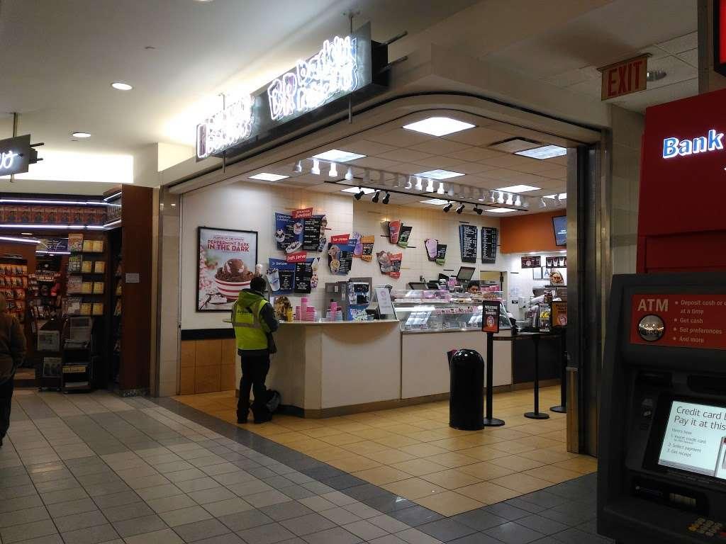 Dunkin Donuts - cafe  | Photo 2 of 10 | Address: LaGuardia Rd, Flushing, NY 11371, USA