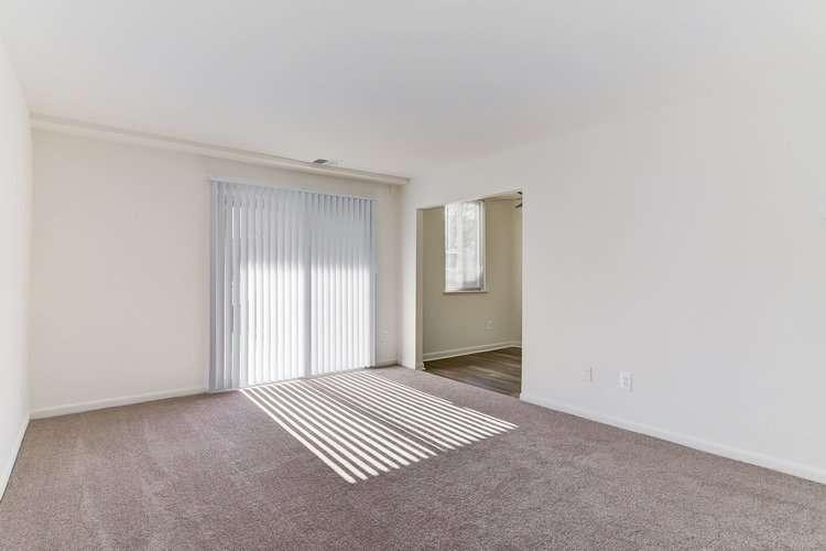 Hallfield Apartments - real estate agency  | Photo 3 of 10 | Address: 8517-B Heathrow Ct apartment b, Nottingham, MD 21236, USA | Phone: (410) 529-1006