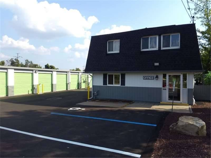 Extra Space Storage - moving company    Photo 2 of 10   Address: 110 Kisow Dr, Pittsburgh, PA 15205, USA   Phone: (412) 921-6060