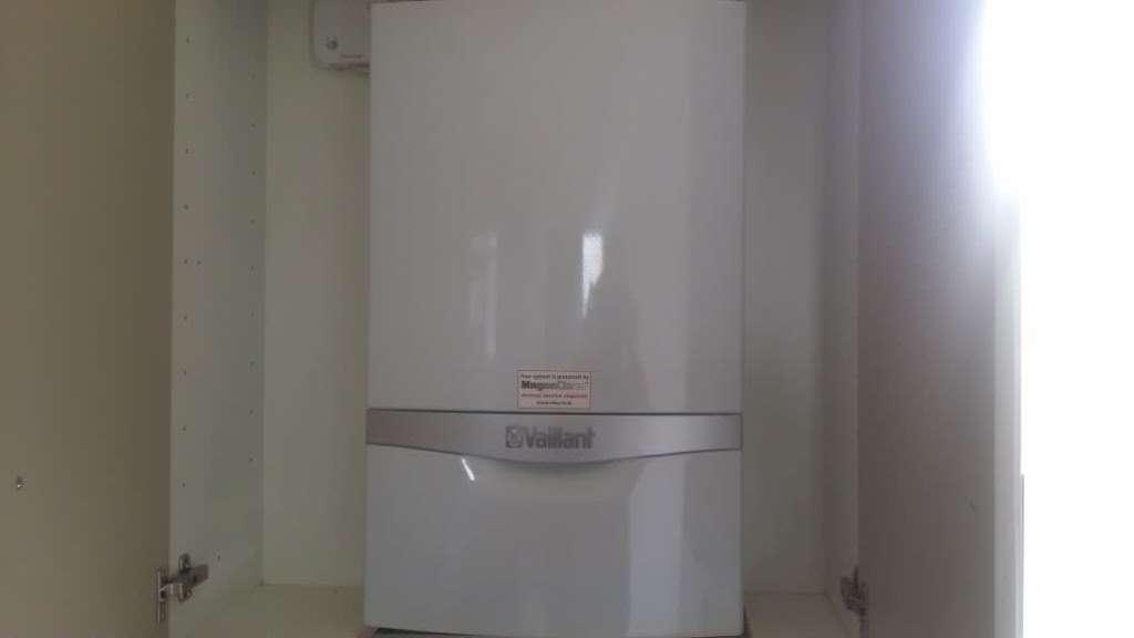 VI Hains - plumber  | Photo 5 of 5 | Address: 14 Inchmery Rd, London SE6 2NE, UK | Phone: 020 8285 1448
