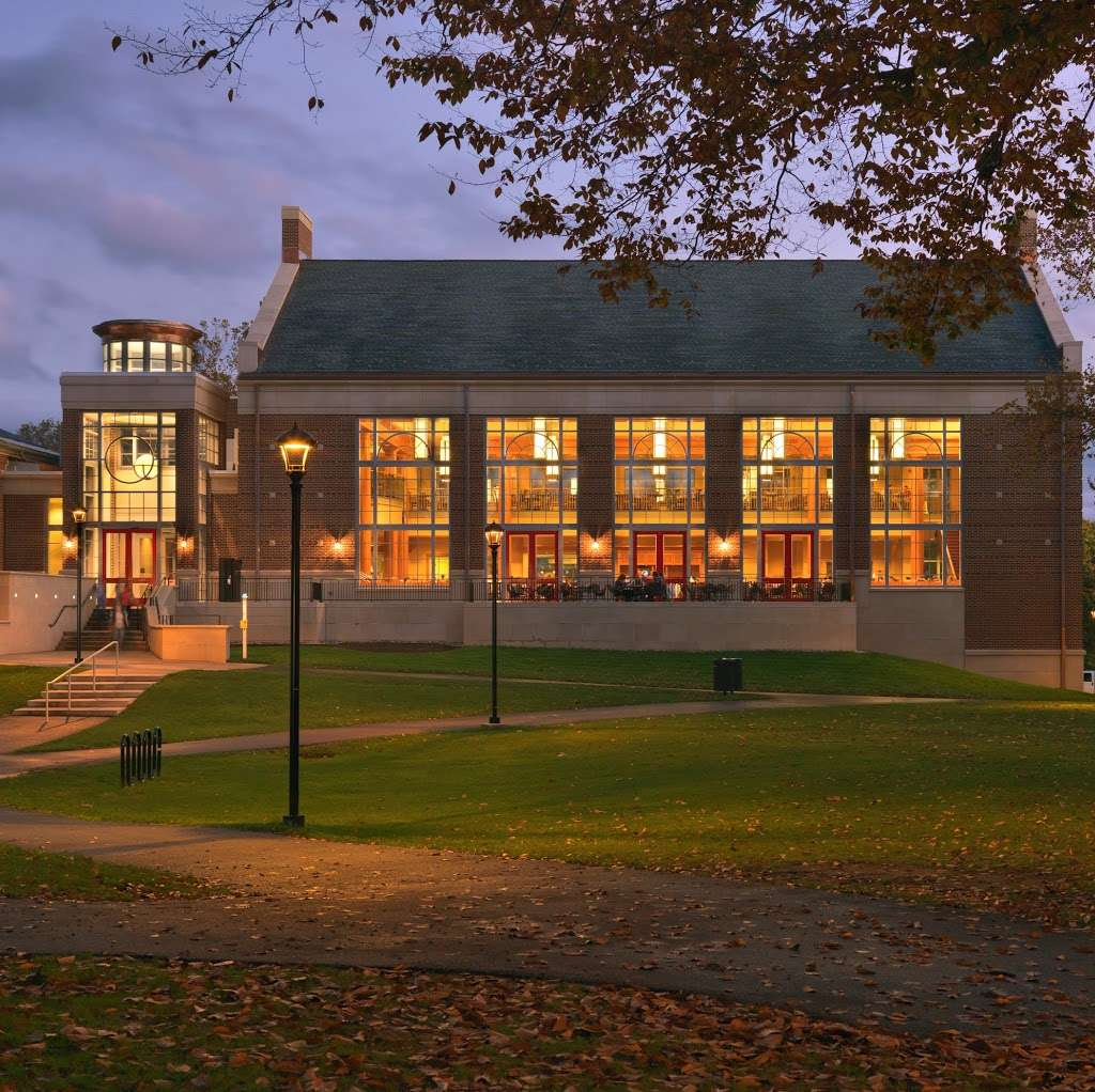 The Wood Dining Commons (Muhlenberg College Dining) - restaurant  | Photo 4 of 10 | Address: 2400 W Chew St, Allentown, PA 18104, USA | Phone: (484) 664-3488