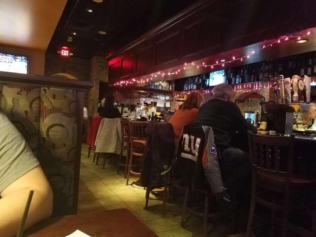 Houlihans - restaurant  | Photo 2 of 10 | Address: 151 Lefante Way, Bayonne, NJ 07002, USA | Phone: (201) 858-0400