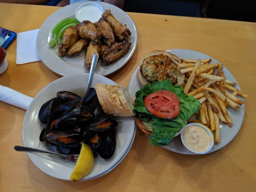 CP Shuckers Cafe & Raw Bar - restaurant  | Photo 9 of 10 | Address: 2407 Pacific Ave, Virginia Beach, VA 23451, USA | Phone: (757) 425-8676