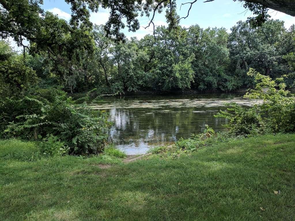 Turtle Hill Park - park  | Photo 1 of 10 | Address: Turtle St, Shorewood, IL 60404, USA