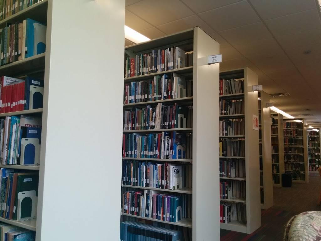 Livingston Public Library - library  | Photo 2 of 10 | Address: 10 Robert H Harp Dr, Livingston, NJ 07039, USA | Phone: (973) 992-4600
