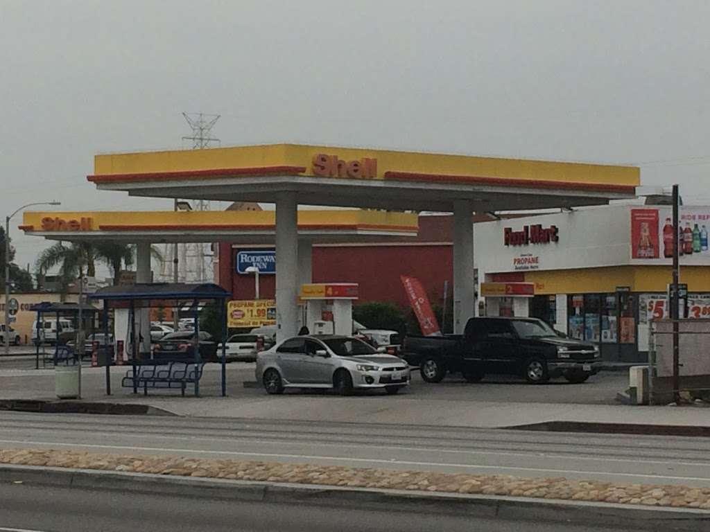 Shell - gas station  | Photo 3 of 10 | Address: 8901 Atlantic Ave, South Gate, CA 90280, USA | Phone: (323) 569-9636