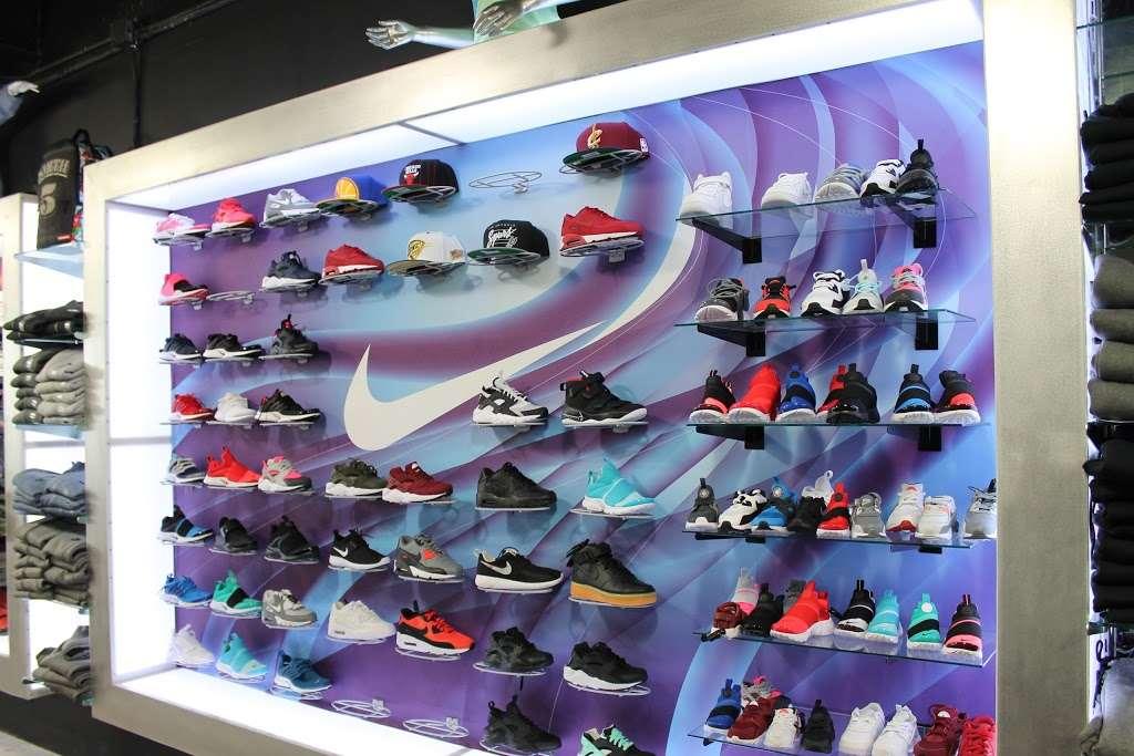 City Jeans Premium - shoe store    Photo 10 of 10   Address: 2996 Third Ave, Bronx, NY 10455, USA   Phone: (718) 401-5919