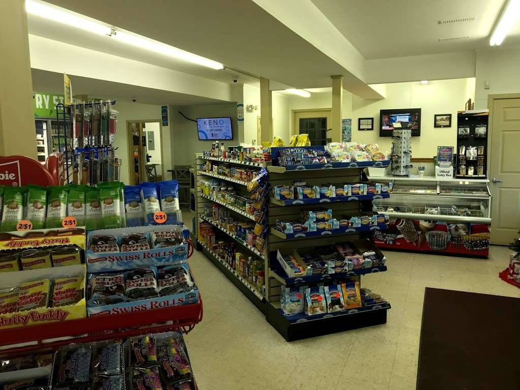 (Tackle Shop) Williamsville Country Store - store  | Photo 2 of 10 | Address: 3544 Williamsville Rd, Houston, DE 19954, USA | Phone: (302) 424-2277