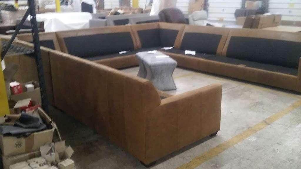 North Carolina Custom Leather - furniture store  | Photo 4 of 8 | Address: 1118 W 1st St, Conover, NC 28613, USA | Phone: (828) 326-8143