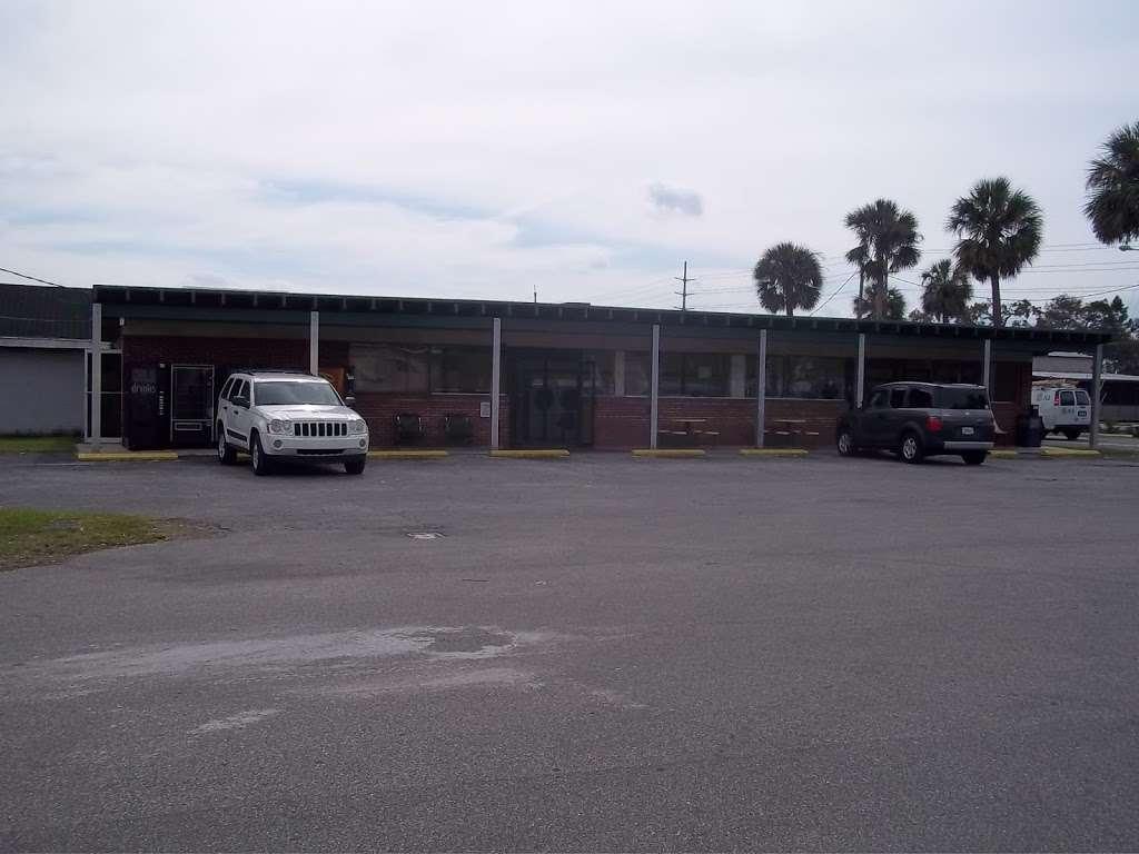 Lake Eustis Laundry Veteran Owned - laundry  | Photo 10 of 10 | Address: 2 East Hazzard Ave, Eustis, FL 32726, USA | Phone: (407) 212-7345