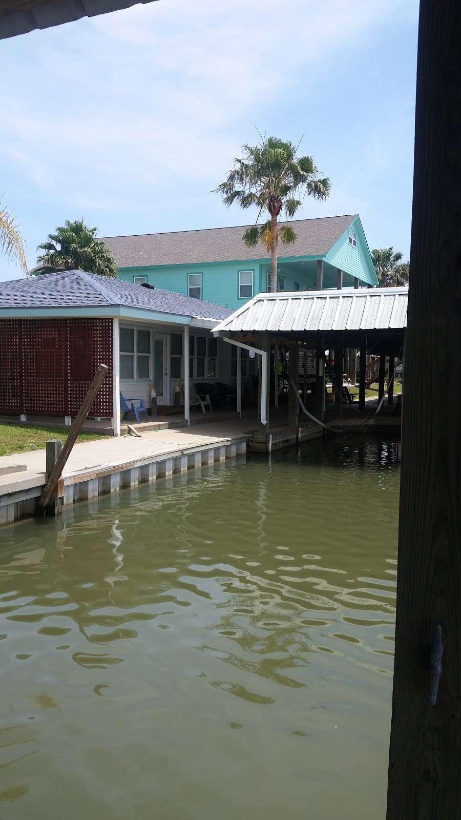 Paulas Vineyard RV Resort - rv park  | Photo 6 of 10 | Address: 1250 N Crystal Beach Rd, Port Bolivar, TX 77650, USA | Phone: (409) 684-9970
