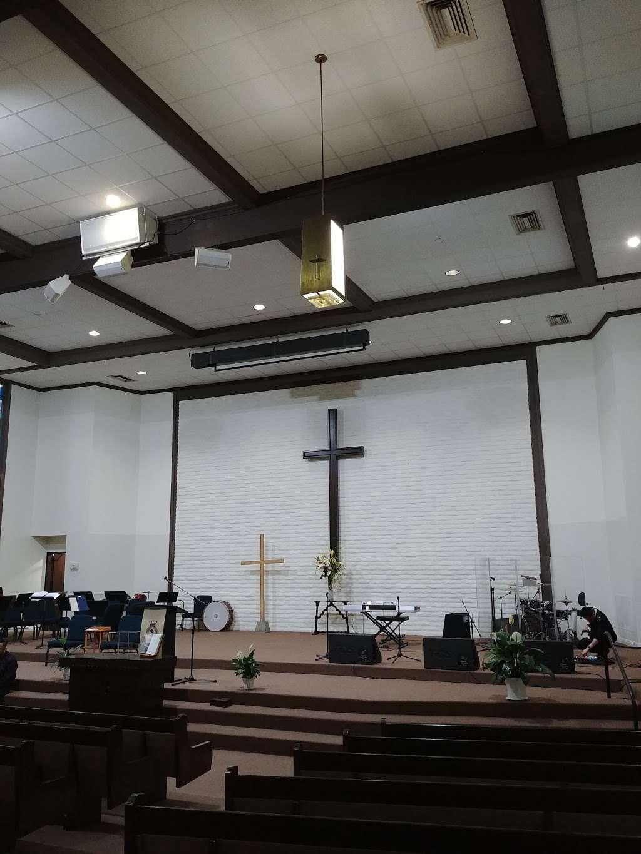 Salvation Army Church - church  | Photo 5 of 10 | Address: 1710 W Edinger Ave, Santa Ana, CA 92704, USA | Phone: (714) 545-2937