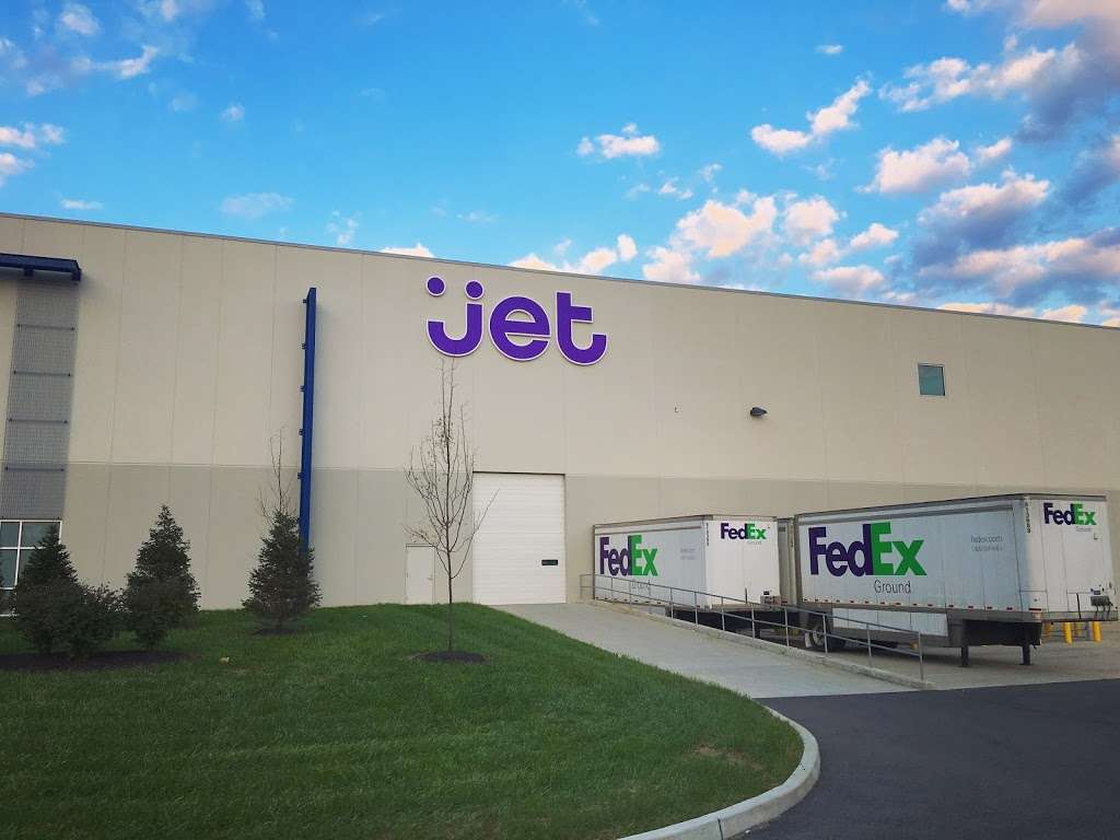 Jet.com - storage  | Photo 4 of 7 | Address: 2 Gateway Blvd, Pedricktown, NJ 08067, USA | Phone: (856) 491-9343