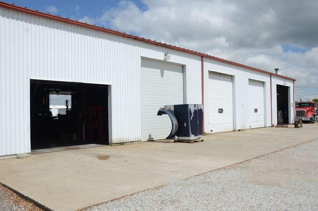 I-70 Wrecker Service & Garage - car repair  | Photo 5 of 10 | Address: 8769 IN-67, Camby, IN 46113, USA | Phone: (317) 834-4700