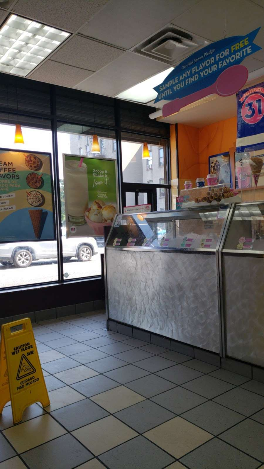 Dunkin Donuts - cafe  | Photo 3 of 10 | Address: 2241 Southern Blvd, Bronx, NY 10458, USA | Phone: (718) 220-4946