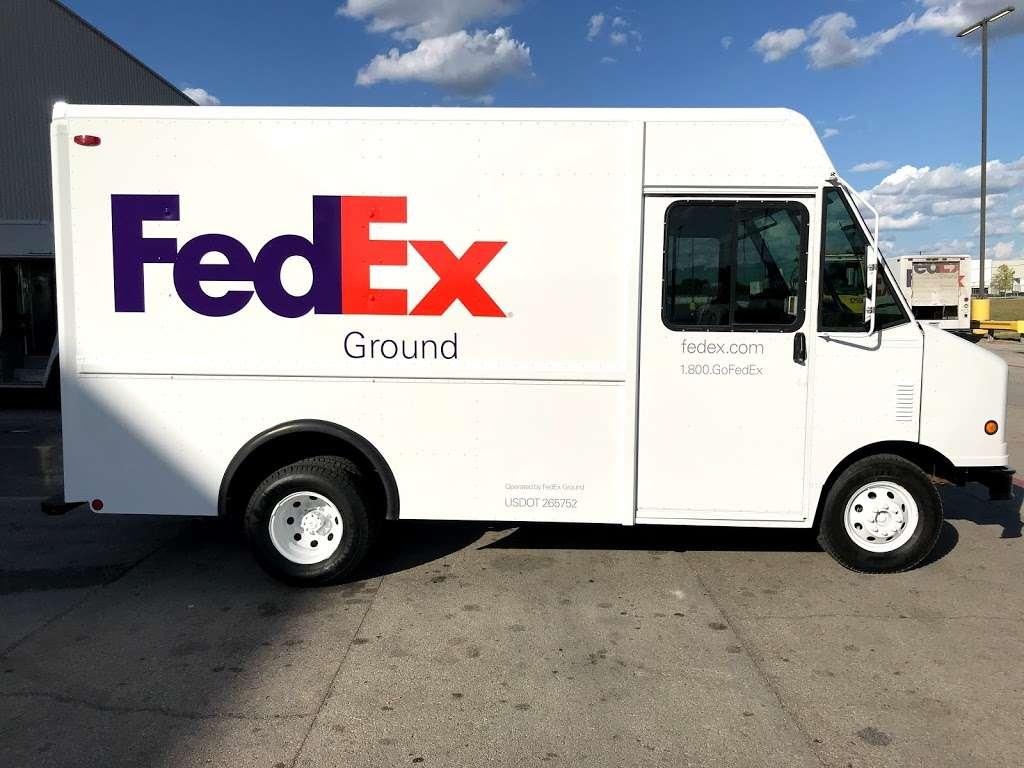 FedEx Ground - moving company  | Photo 7 of 9 | Address: 1101 E Cleveland St, Hutchins, TX 75141, USA | Phone: (800) 463-3339