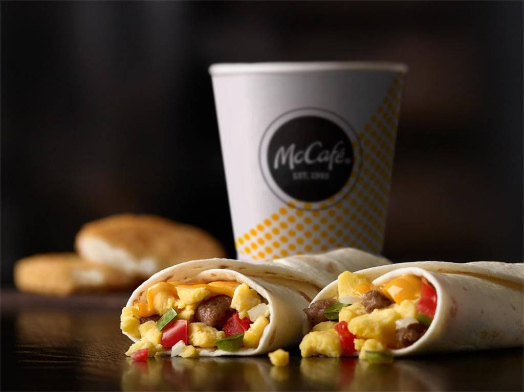 McDonalds - cafe  | Photo 10 of 10 | Address: 588 N 24th St, East St Louis, IL 62205, USA | Phone: (618) 874-6237