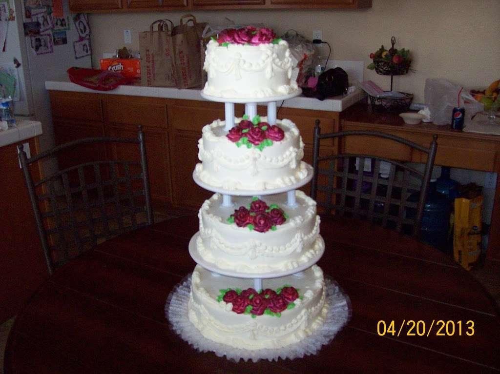 Solteros Bakery - cafe  | Photo 5 of 10 | Address: 10232 I Ave #20, Hesperia, CA 92345, USA | Phone: (760) 956-6200