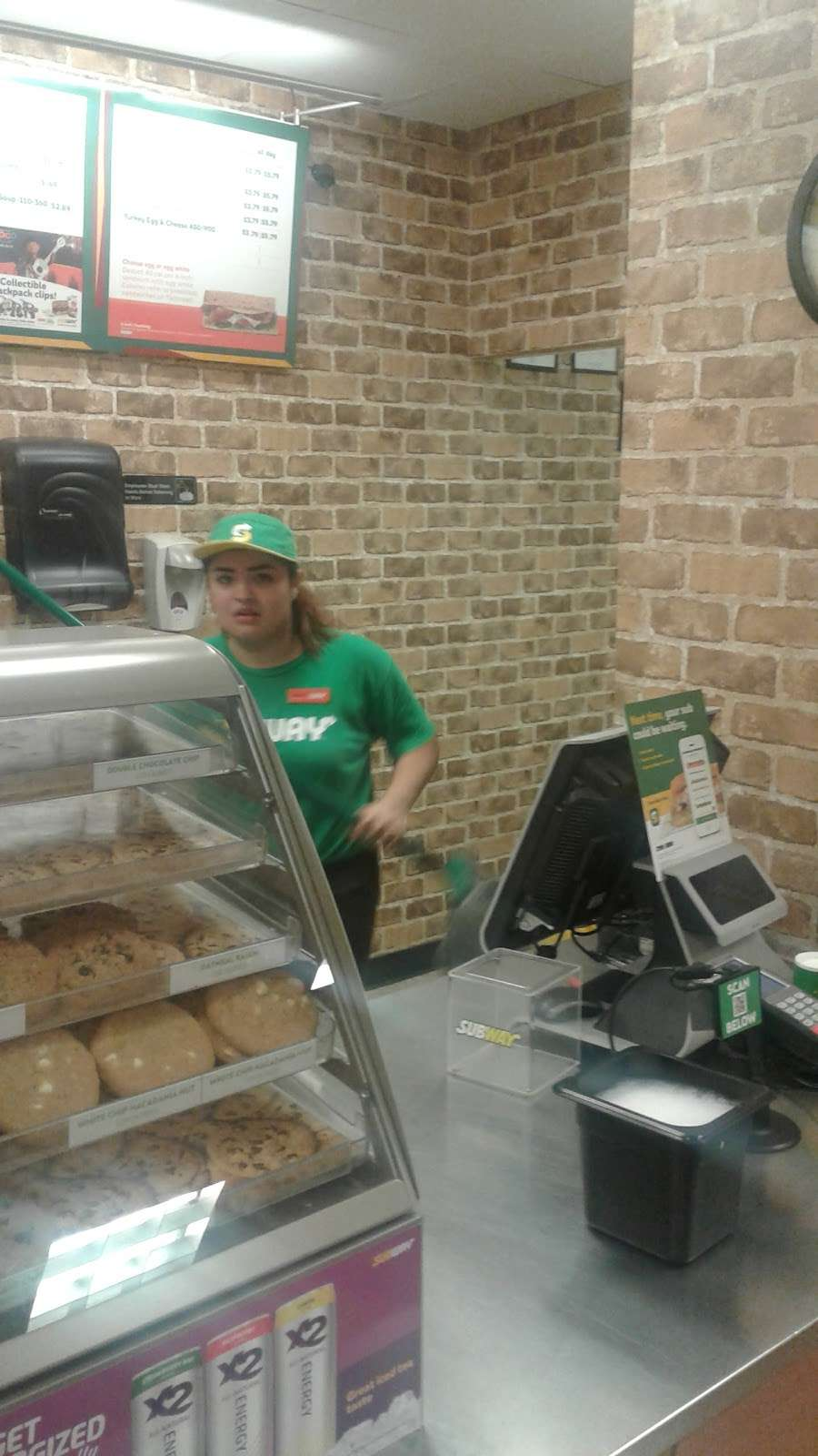 Subway - restaurant  | Photo 4 of 4 | Address: 3806 N Shepherd Rd, Houston, TX 77018, USA | Phone: (713) 695-3575