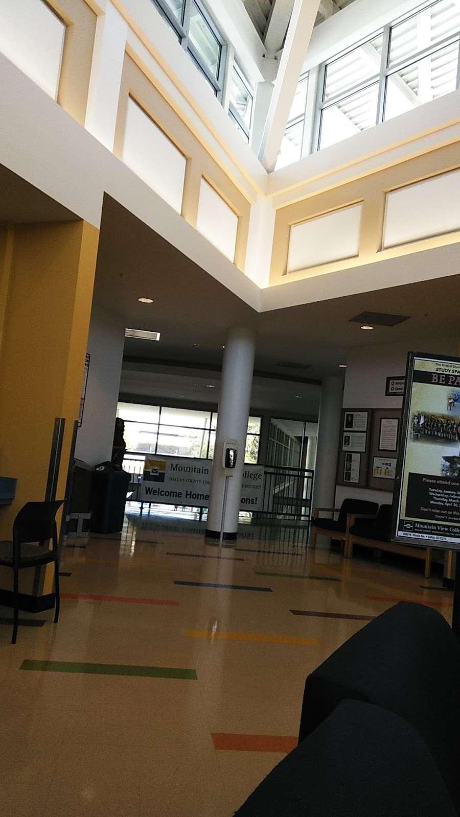 Mountain View College Bookstore - book store  | Photo 5 of 5 | Address: Mountain View College W Building, 4849 W Illinois Ave, Dallas, TX 75211, USA | Phone: (214) 331-5474