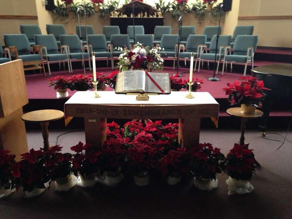 Rolling Hills Community Church - church  | Photo 4 of 10 | Address: 4407 W Orange Blossom Trail, Zellwood, FL 32798, USA | Phone: (407) 886-7664