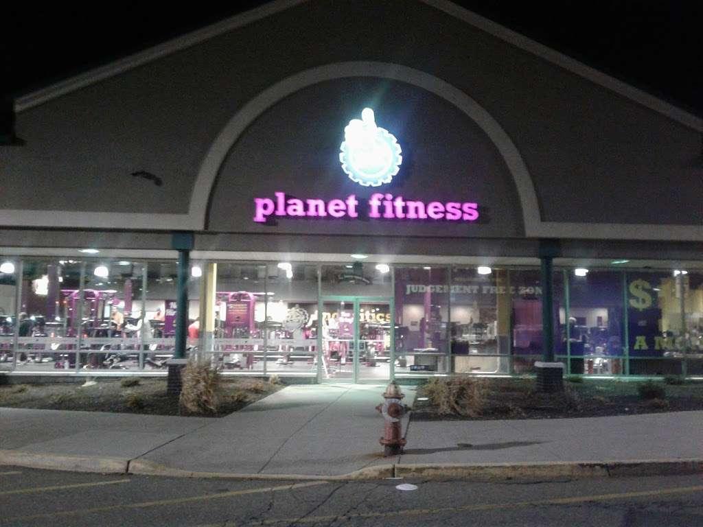 Planet Fitness - gym    Photo 6 of 10   Address: 175 Avenue A, Bayonne, NJ 07002, USA   Phone: (201) 858-4444