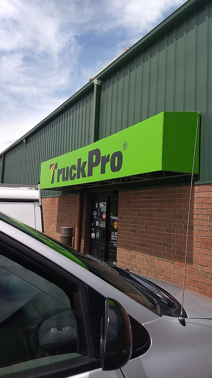 TruckPro - car repair  | Photo 8 of 9 | Address: 5725 Canal Rd, Valley View, OH 44125, USA | Phone: (216) 447-0000