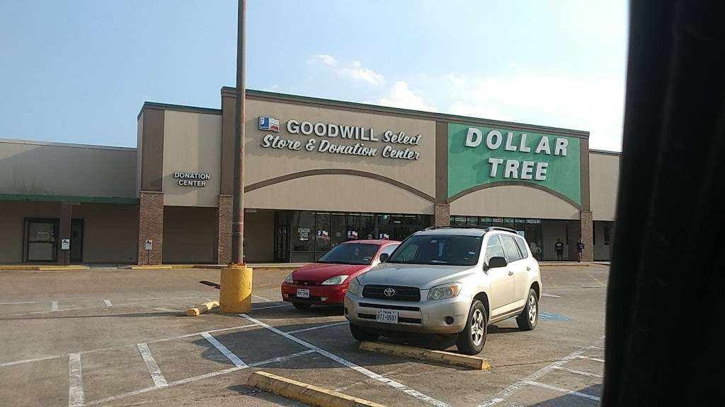 Goodwill Houston Select Stores - furniture store  | Photo 2 of 10 | Address: 7034 FM 1960 B, Humble, TX 77346, USA | Phone: (281) 359-5670