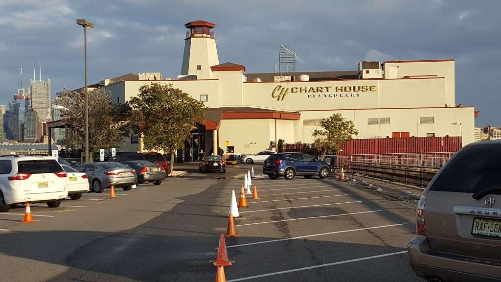 Chart House - restaurant  | Photo 3 of 10 | Address: Lincoln Harbor Pier D-T, Weehawken, NJ 07086, USA | Phone: (201) 348-6628