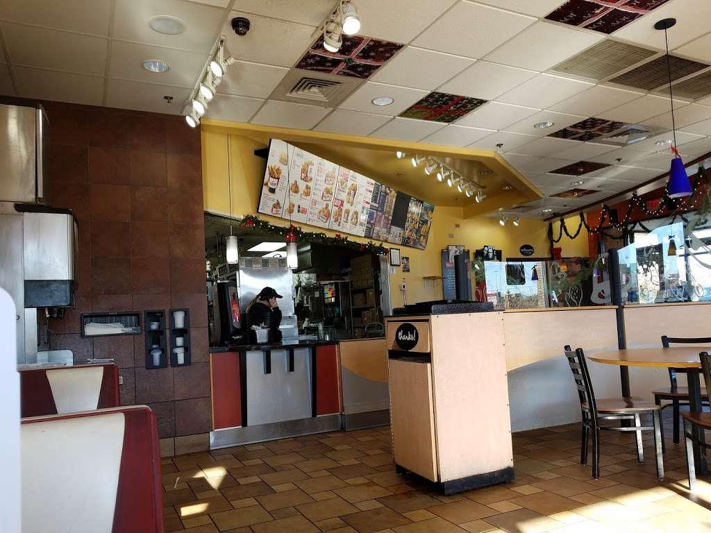 Taco Bell - meal takeaway  | Photo 2 of 10 | Address: 16616 W 159th St, Lockport, IL 60441, USA | Phone: (815) 838-9087