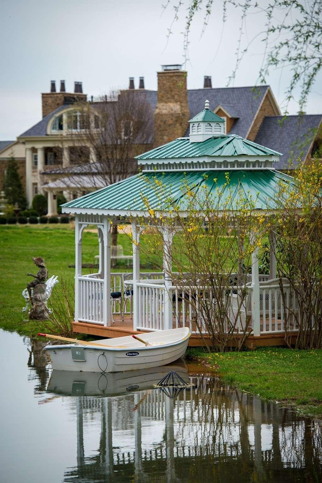 Muchas Uvas Winery - travel agency    Photo 4 of 10   Address: 116 High Meadow Manor LN, Flint Hill, VA 22627, USA   Phone: (202) 258-7095