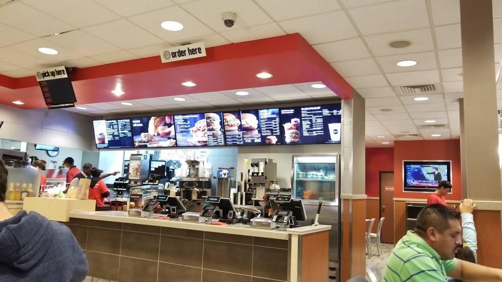 McDonalds - cafe  | Photo 5 of 10 | Address: 3909 S 42nd St, Omaha, NE 68107, USA | Phone: (402) 731-2700