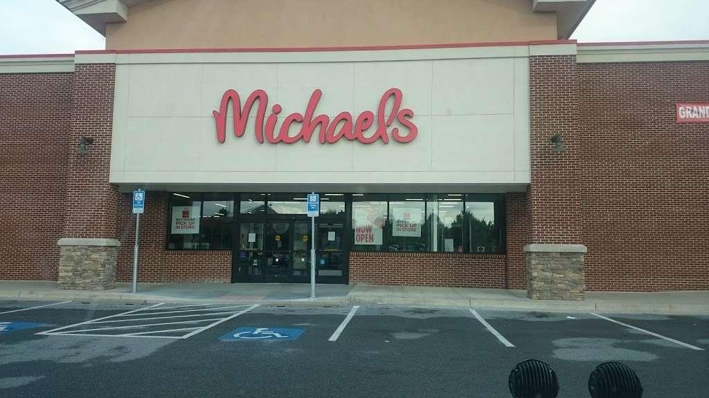 Michaels - store  | Photo 9 of 10 | Address: 135 Crooked Run Plaza #20, Front Royal, VA 22630, USA | Phone: (540) 635-6336