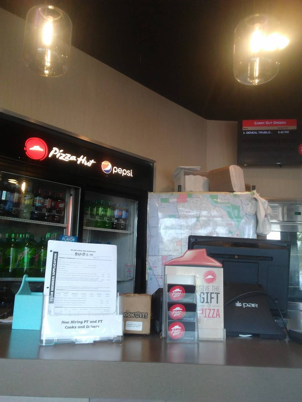 Pizza Hut - meal takeaway  | Photo 6 of 7 | Address: 2985 Brookdale Dr, Brooklyn Park, MN 55444, USA | Phone: (763) 566-5000