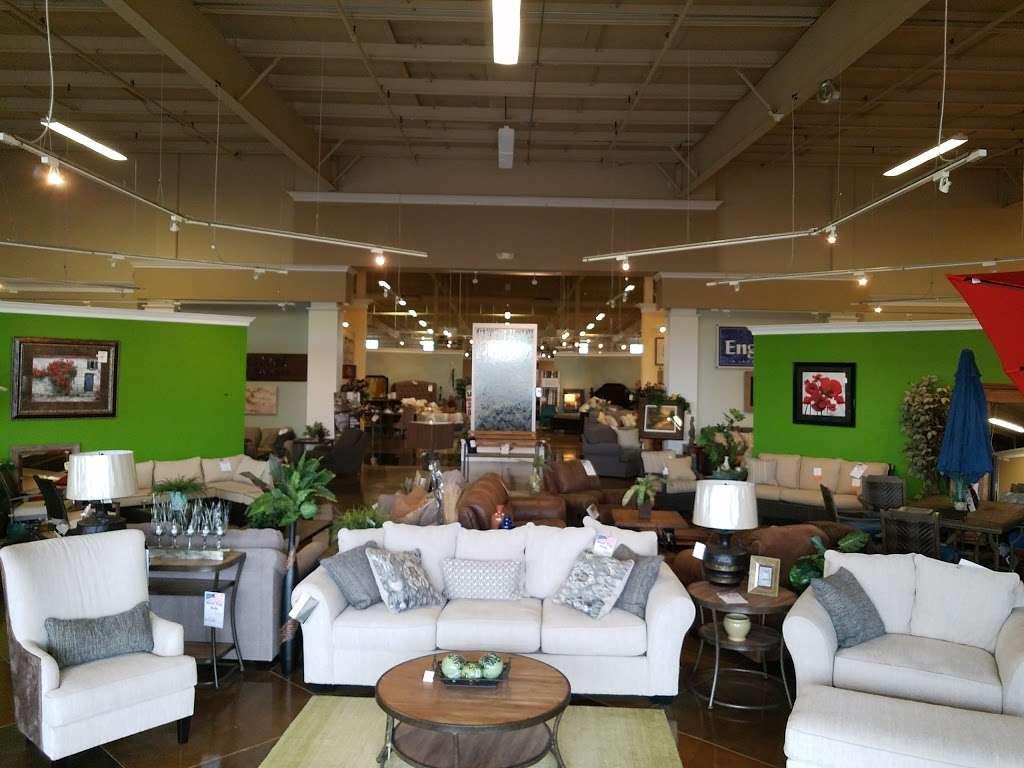 Arwoods Furniture & Mattress - Missouris LARGEST Furniture Sto - furniture store    Photo 2 of 10   Address: 801 Pride Ave, Warrensburg, MO 64093, USA   Phone: (660) 429-2264
