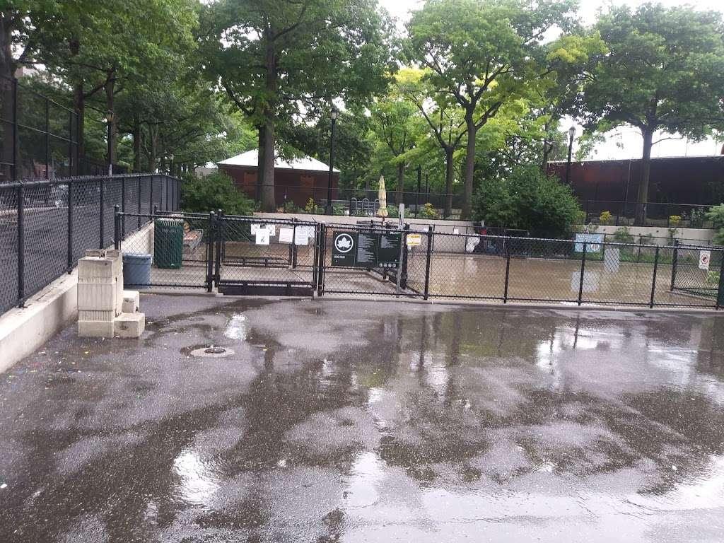 Torsney/Lou Lodati Playground - park  | Photo 2 of 10 | Address: 41-15 Skillman Ave, Long Island City, NY 11104, USA | Phone: (212) 639-9675